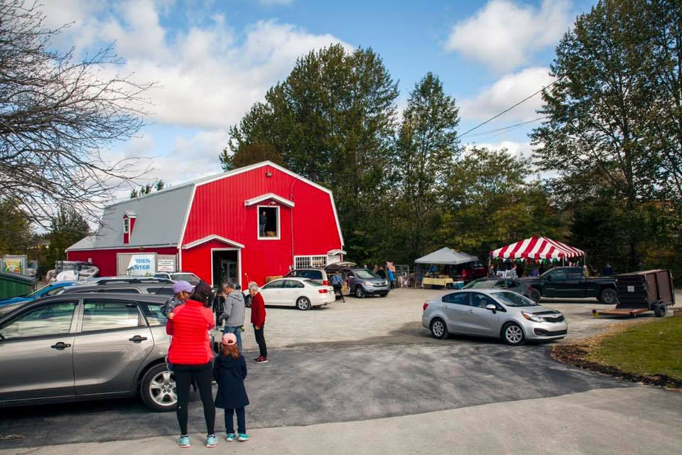 Photo of Walkers Feed red barn